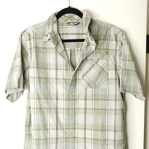 The Northface Plaid Green SS Button Up Large